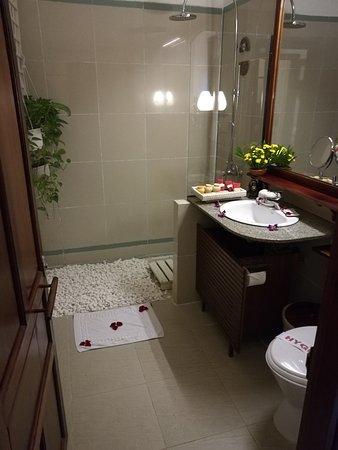 Ha An Hotel: IMG_20161103_135632_large.jpg