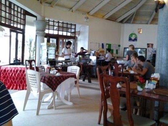 Golden Beach Resort: Breakfast/dining area