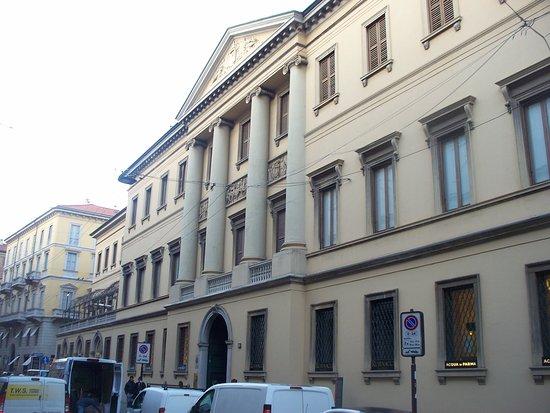 Palazzo Melzi di Cusano