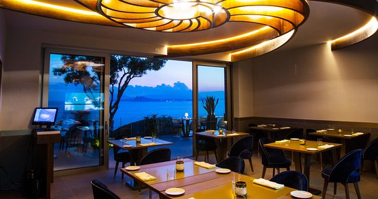 Terrazza panoramica (Procida & Ischia) - Picture of Caracol ...