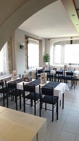 Solymár, Magyarország: Étterem nagyterem