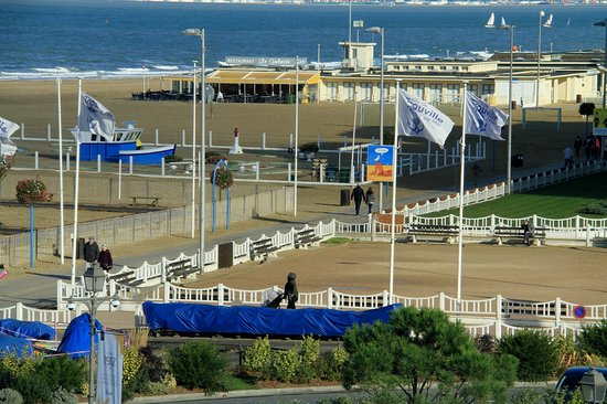 Trouville beach playgournd picture of cures marines trouville hotel thalasso spa trouville - Hotel cures marines trouville ...