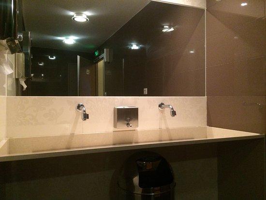 Lodeve, Frankreich: Les toilettes