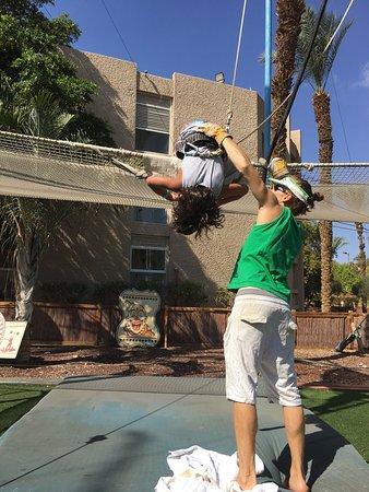 U Coral Beach Club Eilat: Sport ,spectacle , soleil , la mer , la détente !!