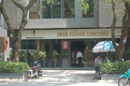 Kimono Japanese Restaurant : the front