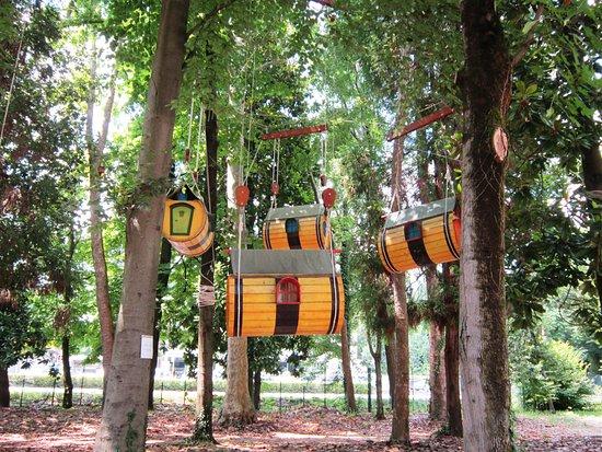 particolare del parco degli alberi parlanti - foto di parco degli