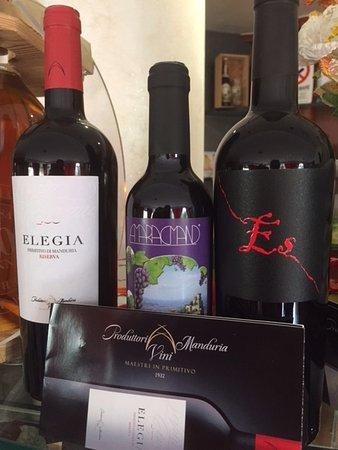Borgo Maggiore, ซานมารีโน: vini di manduria