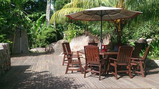 Im garten eden bild von villa kordia pointe larue for Garten eden