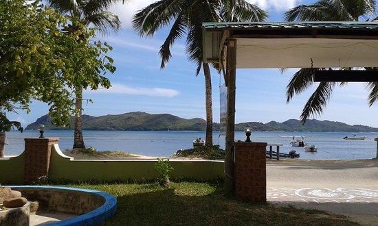 Ocean Bay Guest House: Aussicht von der Terrasse/Zimmerzutritt