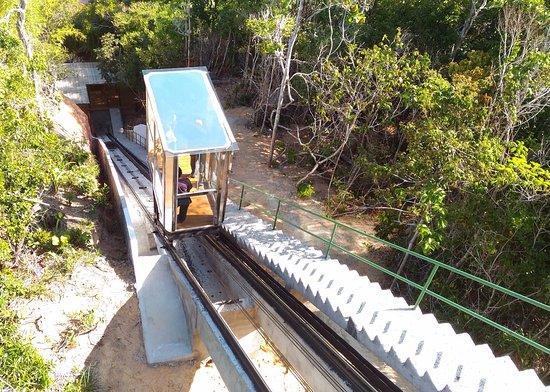 Club Med Trancoso: Elevador para praia em operação!