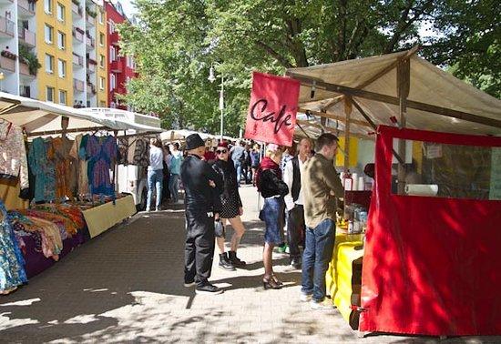 Maybachufer flohmarkt