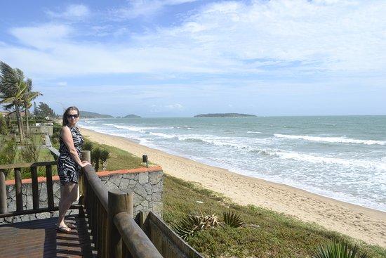 Villa Rasa: Vista do jardim para a praia