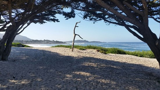 Hofsas House Hotel: Vista da praia de Carmel. Ótimo lugar para ver o pôr do sol.