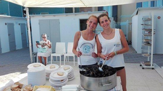 Cozze marinara gastronomia spiaggia rimini egisto 38 foto di spiaggia bagno egisto 38 viserba - Bagno 38 rimini ...