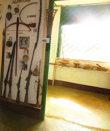 Pointe Noire, Republikken Kongo: Traditional and post Traditional Forest Hunting Weapons