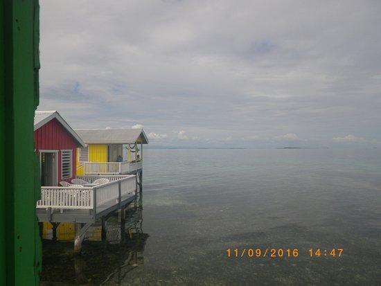 Tarpon Caye Belize: View of rooms