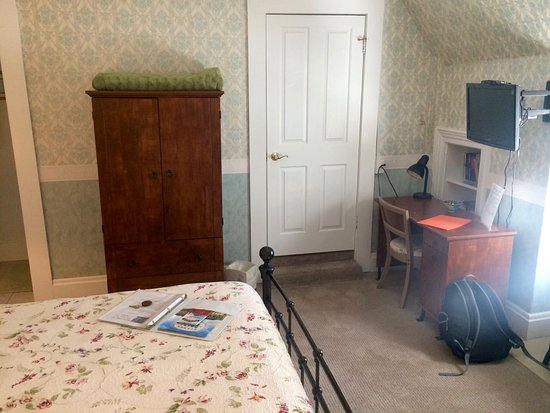 Dove Inn Bed and Breakfast: Parisian Suite