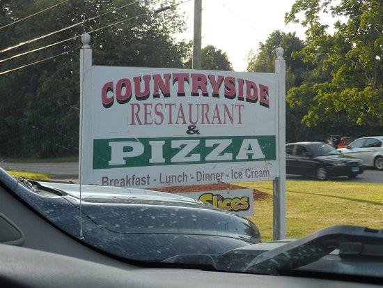Harwinton, CT: Sign