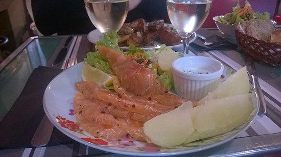 Maison Baudequin: Gravelax de saumon,salade et pommes de terre tièdes