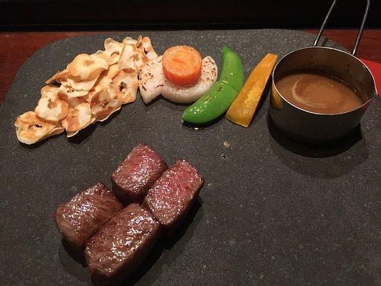 Suizantei Club Jozankei: 翠山亭倶楽部のディナーや朝食