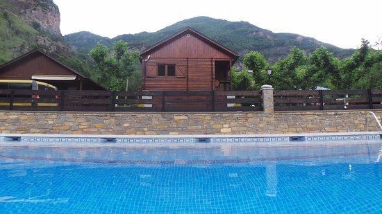 Villanova, España: Bungalows y piscina