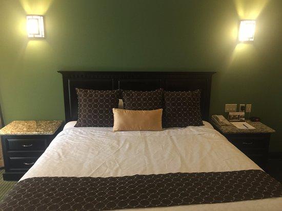 Hotel Ticuan: Cama king size
