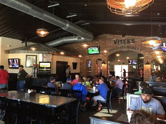 Viteks Bar B Q Large Dining Room With Lots Of Tvs For Sports