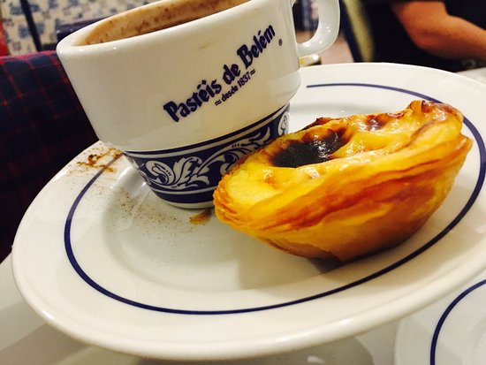 pastel de nata omg picture of pasteis de belem lisbon tripadvisor. Black Bedroom Furniture Sets. Home Design Ideas
