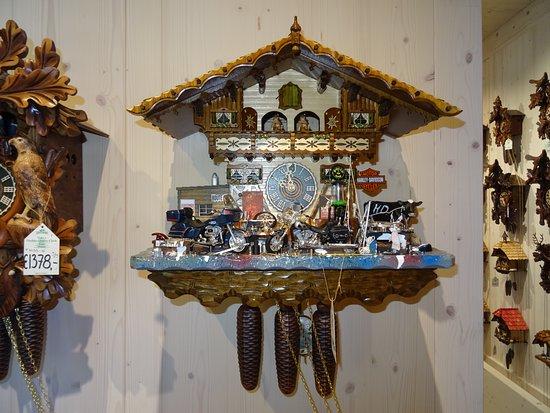 Sankt Blasien, ألمانيا: Cuckoo clock from the gift shop