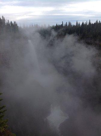 Helmcken Falls: Still inhaling, almost obscured.