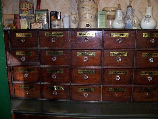 Biggar, UK: Apothecary's storage