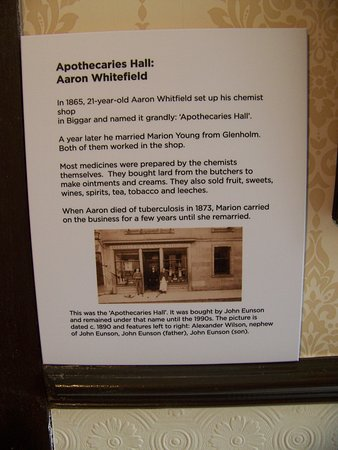 Biggar, UK: Some details about the apothecary's shop exhibit