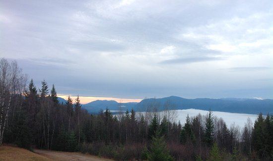 Wells Gray Provincial Park: Sunset starts, clouds up close and a lake out back. iPhones just don't do justice to landscapes!