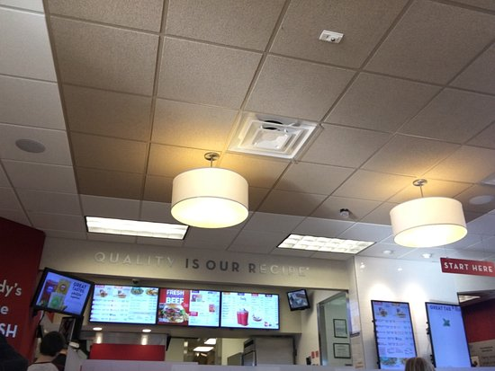 Hackettstown, NJ: Clean good and efficient fast food