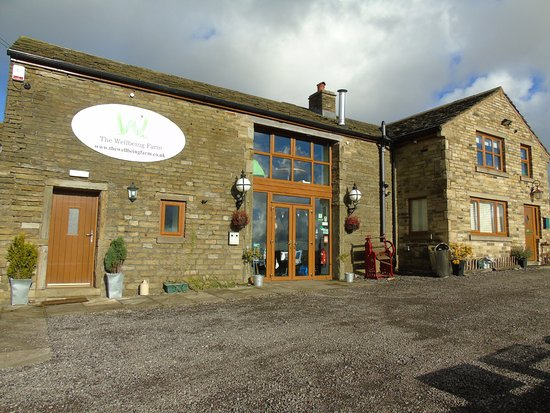 Edgworth, UK: wellbeing farm venue