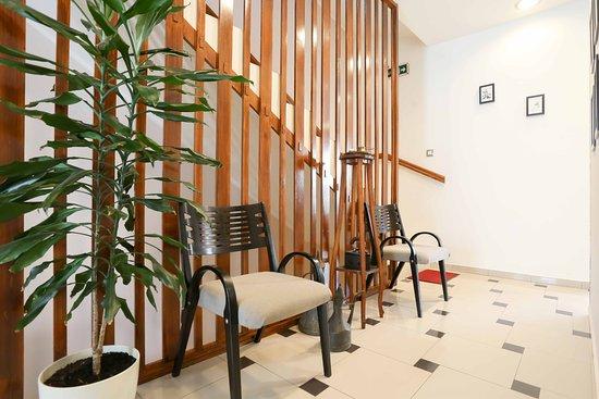 Hotel Divan: Lobi