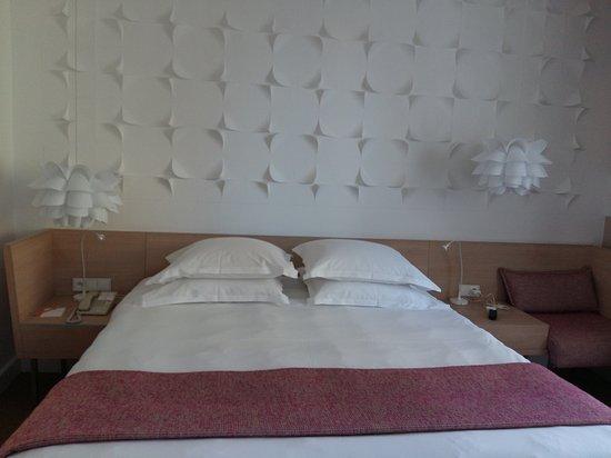 Hotel Cezanne: Très jolie suite très confortable