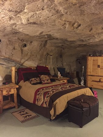 Kokopelli Cave Bed and Breakfast: My husband and I went November 8 - 11 ,2016 a few of the amazing pix !! Such a beautiful place !
