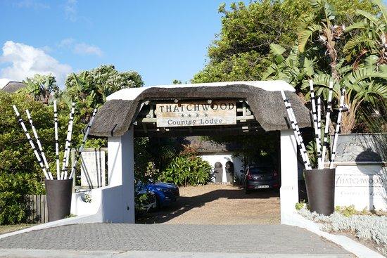Saint Francis Bay, Sør-Afrika: entrance to the Thatchwood Lodge