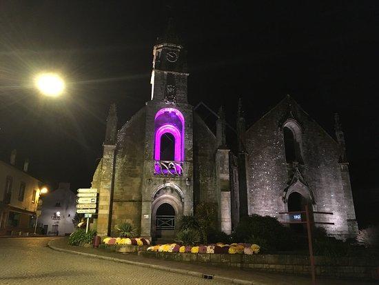 Eglise St Sauveur.