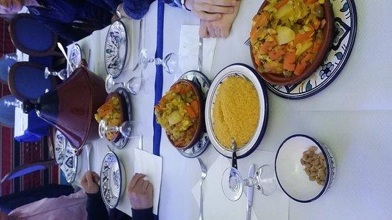 Au Couscous de Djerba : soirée tajine a l agneau(sur commande)