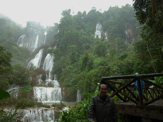 Umphang, Tailandia: Thi Lo Su in the rain! So serene and special!