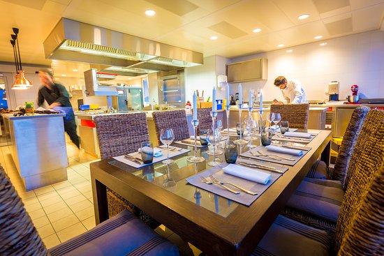 Tout un monde grandvaux restaurant bewertungen - Restaurant tout le monde a table lyon ...