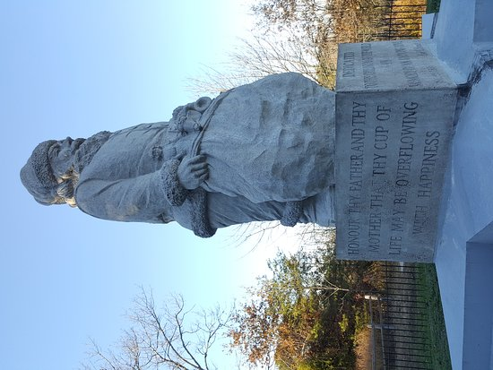 1935 Santa Statue: 20161112_151847_large.jpg