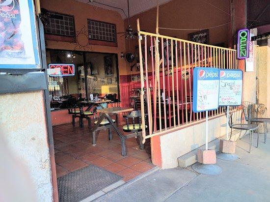 Las Marias: The exterior