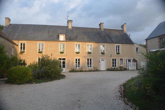 Mandeville-en-Bessin, France : Main Building