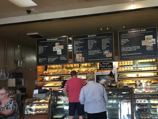 Warragul Hot Bake : Main counter