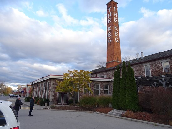 St. Catharines, Canada: Front entrance stack from when it was a cotton mill.