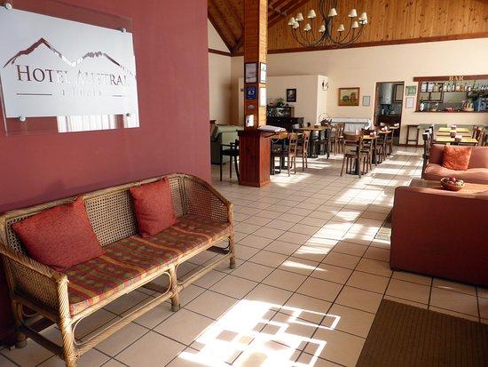 Hotel Austral: RECEPCION / LOBBY / SALON DESAYUNADOR