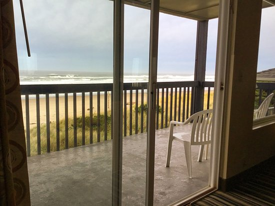 Best Western Plus Lincoln Sands Oceanfront Suites: photo0.jpg